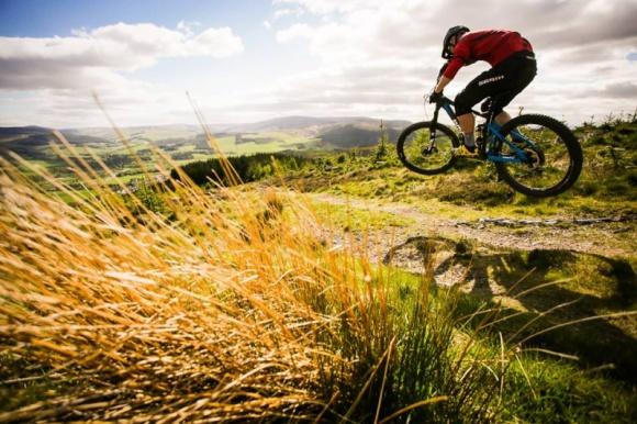BMC prezentuje rowery trailowe speedfox trailcrew Hobby, LIFESTYLE - W przyszłym roku szwajcarska firma BMC wprowadzi na rynek nową serię rowerów górskich (trailowych) speedfox trailcrew. Modele ze skokiem 150 mm oparto na kołach 650B (27,5?).