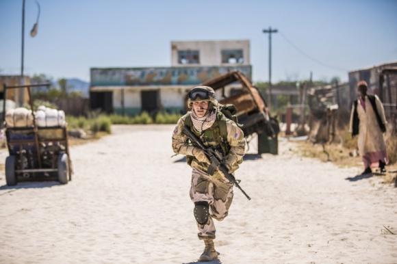 Historie współczesnych bohaterów wojennych na National Geographic Channel Film, LIFESTYLE - ?Za linią wroga? oraz ?Wojna na własne oczy? to dwie nowe produkcje dokumentalne National Geographic Channel odsłaniające kulisy współczesnych wojen.