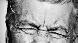 Portrety znanych i nieznanych. Zachwycająca wystawa w Bytomiu Sztuka, LIFESTYLE - 46-letni fotograf z Tychów tworzy zdjęcia, za którymi skrywa ciekawe, czasem ciepłe, czasem poruszające historie. Ich bohaterami są między innymi David Lynch, Szczepan Twardoch, Leszek Możdżer.