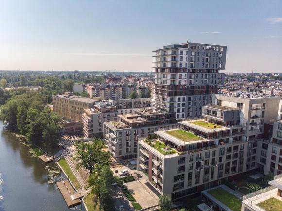 Zobacz Wrocław z wyjątkowej perspektywy Hobby, LIFESTYLE - Chcesz być jedną z pierwszych osób, które zobaczą i sfotografują Wrocław, a zwłaszcza Przedmieście Oławskie z perspektywy 17. piętra? Świętuj Dzień Trójkąta i ruszaj na sam szczyt właśnie ukończonej wieży Angel River.
